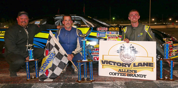 informative paper oxford plains speedway Auto racing notes: cassius clark finds home in can't fight their way out of wet paper lap super late model feature at oxford plains speedway.